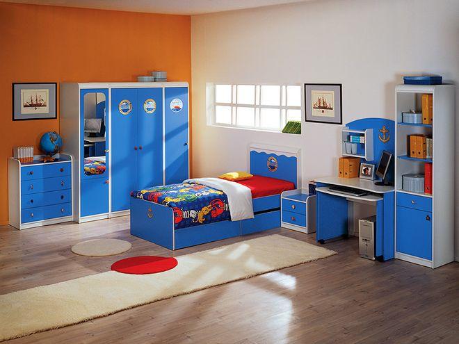 Малышу достаточно кроватки и пеленального столика.  Чуть позже понадобиться...  Выбираем детскую мебель.