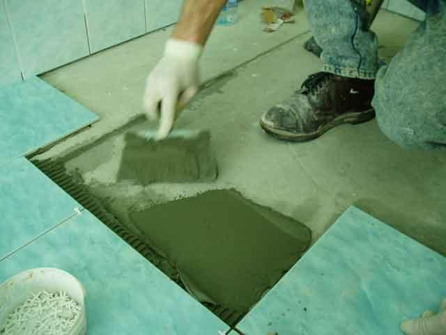 Как правильно укладывать плитку на пол своими руками