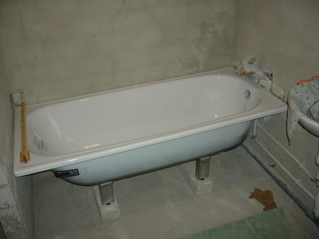 Как установить ванну в