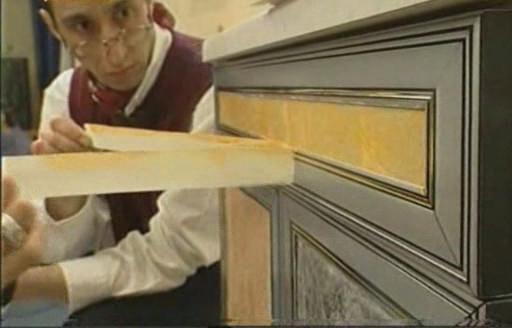 Чем покрасить пианино своими руками фото 300