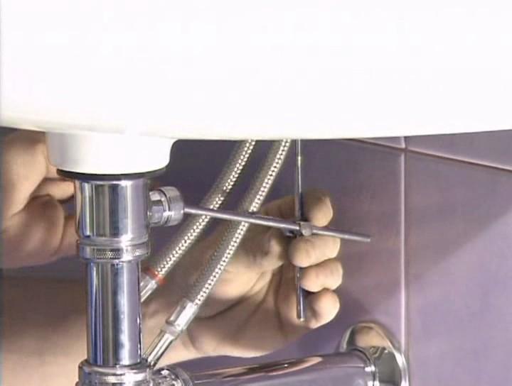 Как сделать смеситель в раковине
